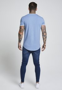 SIKSILK - HERITAGE GYM TEE - T-shirt med print - faded denim - 3