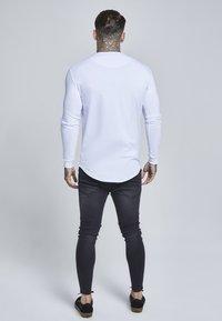 SIKSILK - GYM TEE - Maglietta a manica lunga - white - 2