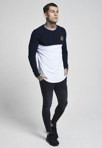 SIKSILK - RAGLAN BLOCK - Camiseta de manga larga - navy/white/gold - 1