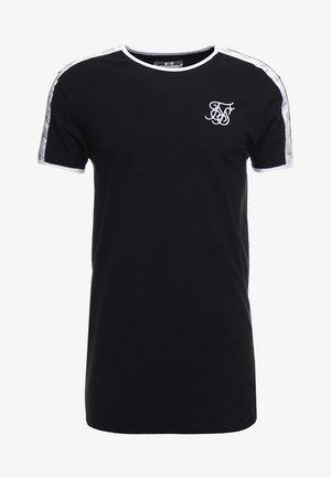 TAPE SHOULDER GYM TEE - T-shirt con stampa - black