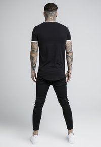SIKSILK - TAPE SHOULDER GYM TEE - T-shirt imprimé - black - 2