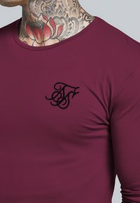 SIKSILK - LONG SLEEVE GYM TEE - T-shirt à manches longues - burgundy - 4