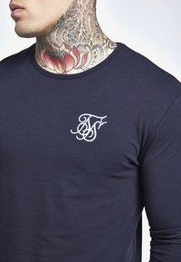 SIKSILK - LONG SLEEVE GYM TEE - Camiseta de manga larga - navy - 4