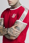 SIKSILK - TAPED RUNNER TEE - Camiseta estampada - red