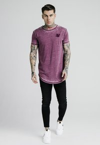 SIKSILK - BURNOUT ROLL SLEEVE TEE - T-shirt print - burg - 1