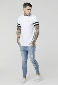 SIKSILK - COLLAR BOX TEE - T-shirt con stampa - white - 1