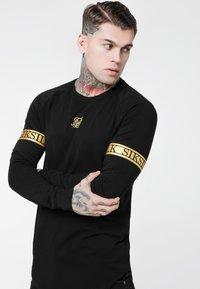 SIKSILK - LONG SLEEVE TECH TEE - T-shirt à manches longues - black - 4