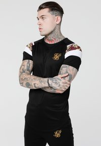 SIKSILK - ROYAL VENETIAN SPRINT TEE - Camiseta básica - black/deep red - 0