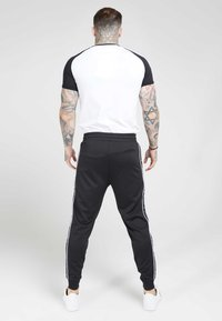SIKSILK - RAGLAN TAPE GYM TEE - T-shirt imprimé - black/white - 2