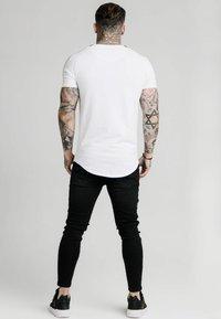 SIKSILK - RAGLAN FOIL FADE GYM TEE - Print T-shirt - white/silver - 2
