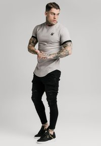 SIKSILK - RAGLAN TECH TEE - T-shirts print - grey - 1
