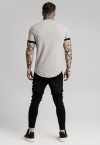 SIKSILK - RAGLAN TECH TEE - T-shirts print - grey - 2