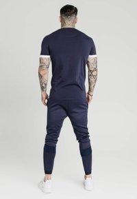 SIKSILK - TECH LOGO TEE - Print T-shirt - navy - 2