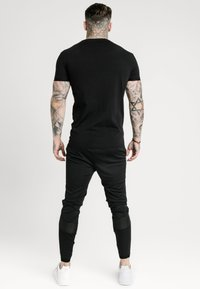 SIKSILK - TECH LOGO TEE - T-shirt imprimé - black - 2