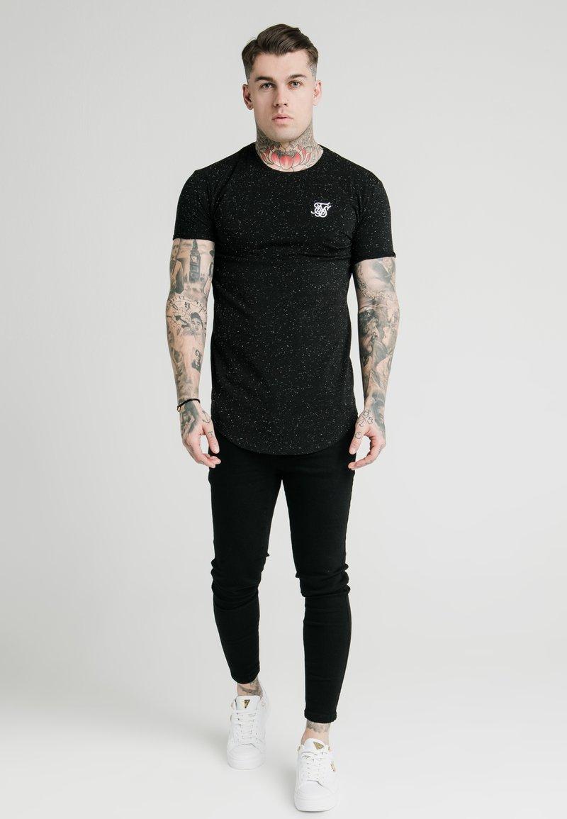 SIKSILK - NEPS TEE - T-shirt basique - black