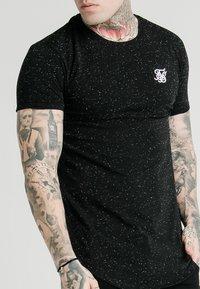 SIKSILK - NEPS TEE - T-shirt basique - black - 4