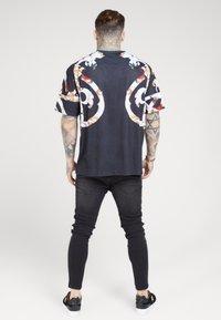 SIKSILK - BOXY FLORAL TEE - T-shirt print - multi-coloured - 2