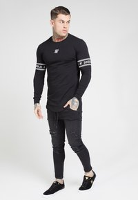 SIKSILK - LONG SLEEVEBRANDED GYM TEE - Longsleeve - black - 0