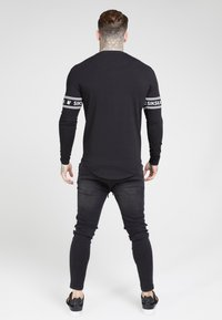 SIKSILK - LONG SLEEVEBRANDED GYM TEE - Longsleeve - black