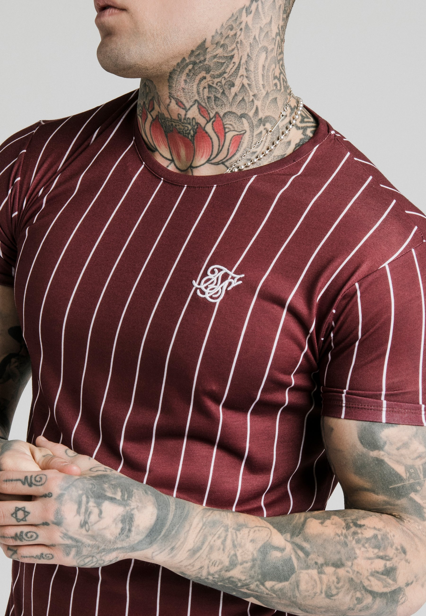 SIKSILK PINSTRIPE TEE - T-shirt z nadrukiem - burgundy