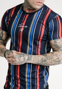 SIKSILK - STRIPE TEE - T-shirt con stampa - navy/red/yellow - 4
