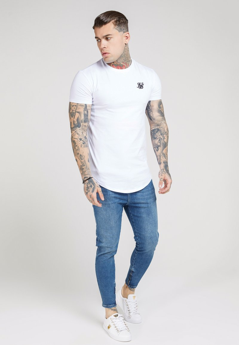 SIKSILK - SHORT SLEEVE GYM TEE - Camiseta básica - white