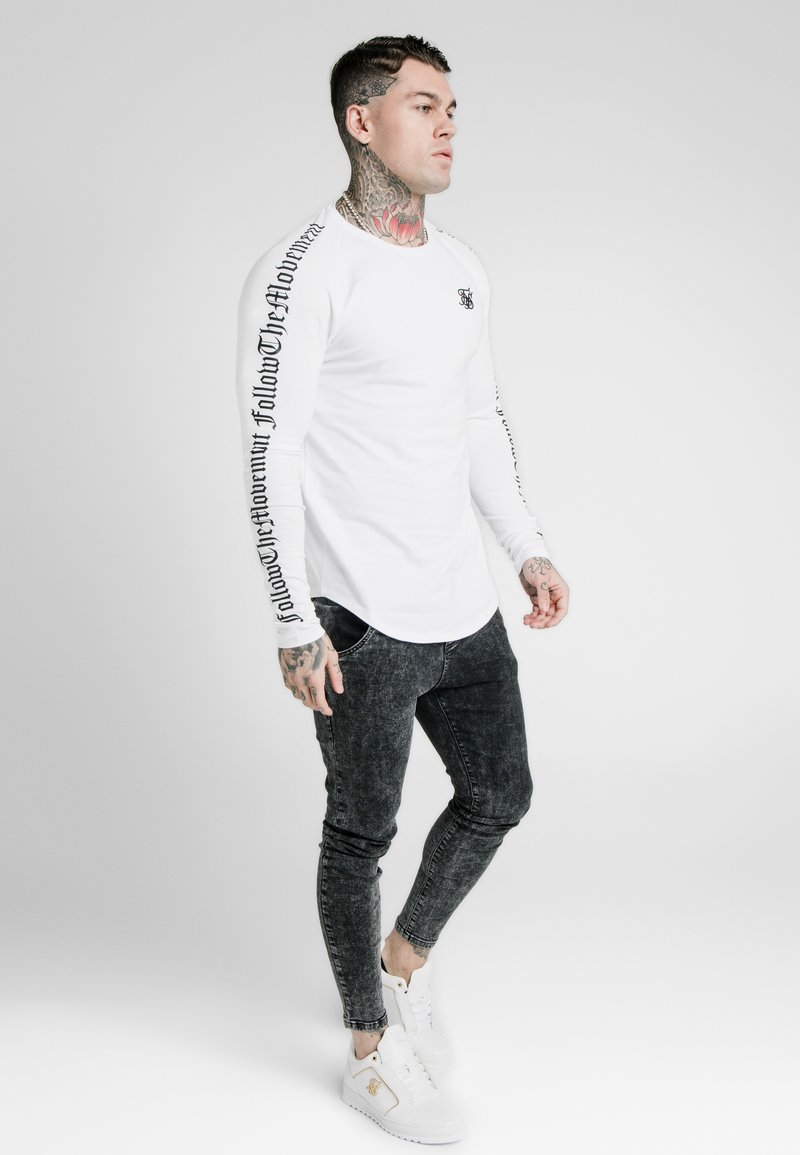 SIKSILK - LONG SLEEVE FOLLOW THE MOVEMENT TEE - Long sleeved top - white