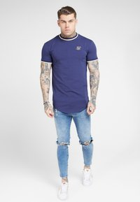 SIKSILK - RIB GYM TEE - T-shirt imprimé - navy - 0