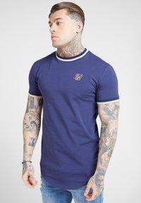 SIKSILK - RIB GYM TEE - T-shirt imprimé - navy - 4