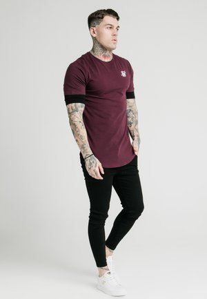 INSET SLEEVE GYM TEE - Jednoduché triko - black/red