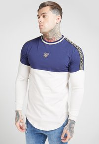 SIKSILK - LONG SLEEVE CHAIN CARTEL CUT AND SEW TAPE GYM TEE - T-shirt à manches longues - navy/stone