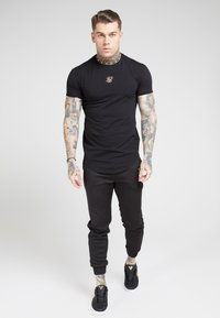 SIKSILK - TAPE COLLAR GYM TEE - T-shirt imprimé - black/gold - 4