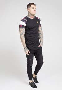 SIKSILK - SPRINT TAPE TEE - Print T-shirt - black & oil paint - 1