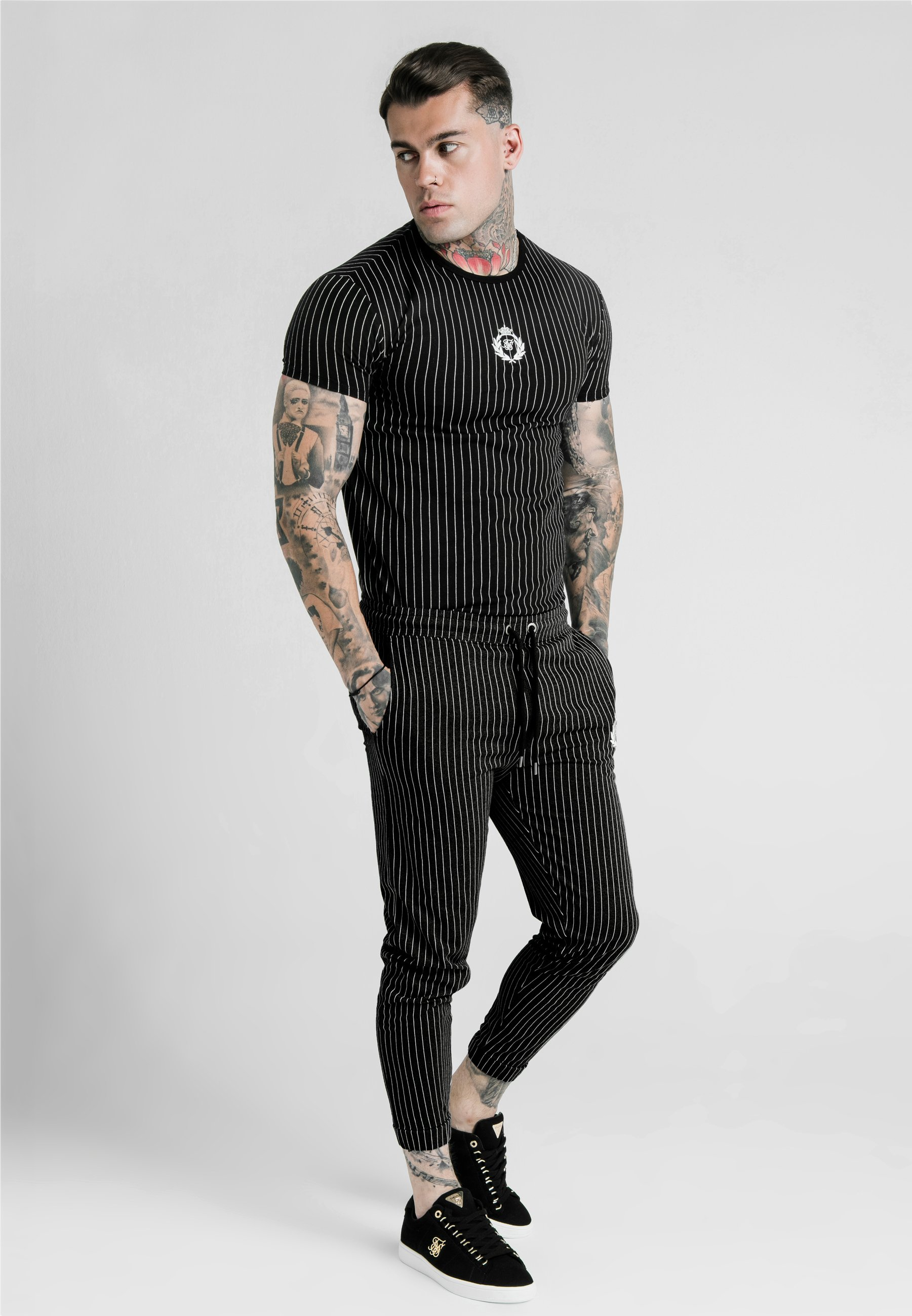 SIKSILK DANI ALVES CURVED HEM GYM TEE - T-shirt z nadrukiem - anthracite/white