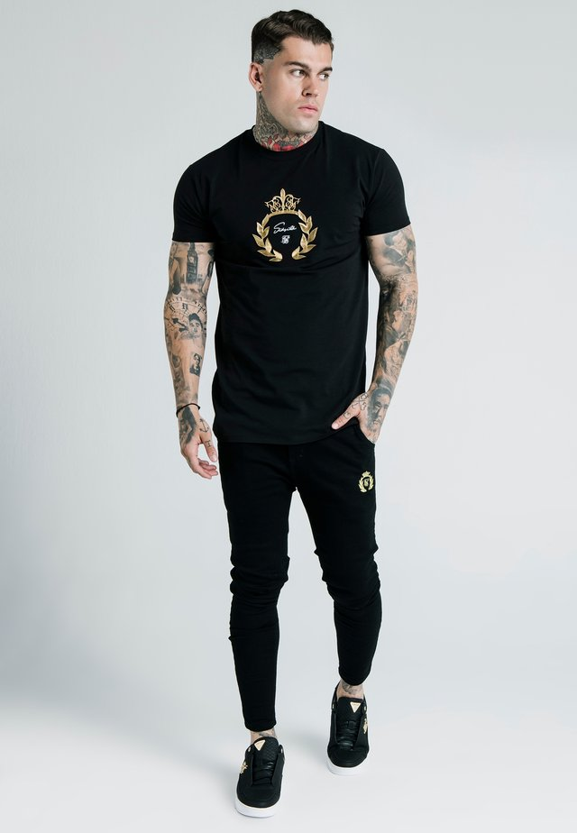 DANI ALVES EMBOSSED FITTED BOX TEE - T-Shirt print - black
