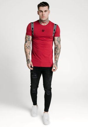 STRAIGHT HEM PRINTED GYM TEE - Camiseta estampada - red/black