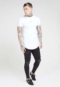 SIKSILK - TAPE COLLAR GYM TEE - Jednoduché triko - white/gold - 1