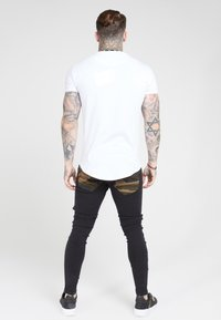 SIKSILK - TAPE COLLAR GYM TEE - Jednoduché triko - white/gold - 2