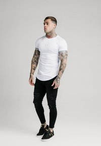 SIKSILK - IRIDESCENT TECH TEE - T-shirt imprimé - white - 1