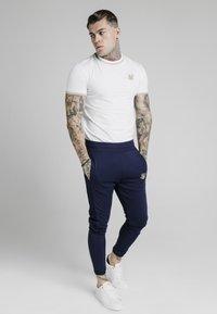 SIKSILK - T-shirt print - white - 1