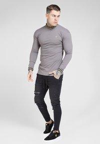 SIKSILK - LONG SLEEVE CHAIN COLLAR CUFF - Maglietta a manica lunga - grey - 1