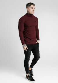 SIKSILK - LONG SLEEVE BRUSHED TURTLE NECK - Strickpullover - burgundy - 0
