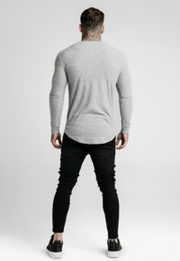 SIKSILK - LONG SLEEVE BRUSHED GYM TEE - Stickad tröja - grey - 2
