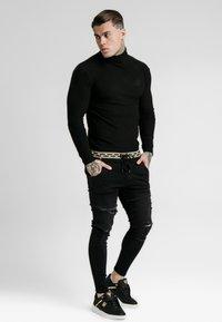 SIKSILK - LONG SLEEVE BRUSHED TURTLE NECK - Pullover - black - 0
