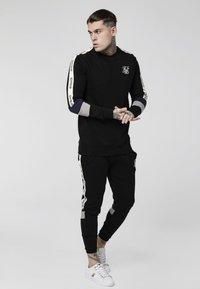 SIKSILK - RETRO PANEL TAPE CREW - Sweater - black/grey/navy - 1