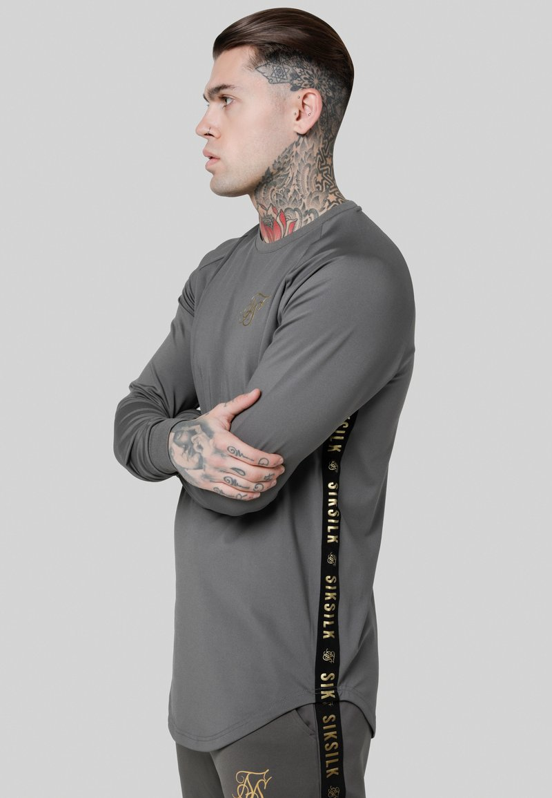 SIKSILK - TAPED PERFORMANCE CREW - Longsleeve - cement