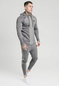 SIKSILK - CREASED ZIP THROUGH HOODIE - Zip-up hoodie - grey - 1