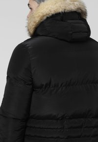 SIKSILK - DISTANCE JACKET - Zimní bunda - black - 3