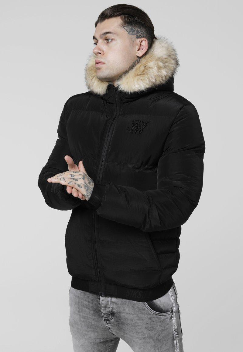 SIKSILK - DISTANCE JACKET - Zimní bunda - black