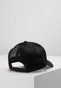 SIKSILK - TRUCKER - Cap - black/gold - 2